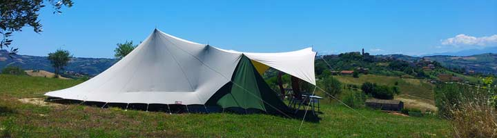 KCI kleinecampingsitalie Villa Bussola tent op de heuvel